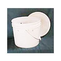 Caprine Feeder Bucket with Lid